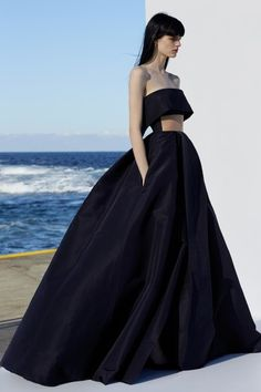 Get inspired and discover Alex Perry trunkshow! Shop the latest Alex Perry collection at Moda Operandi. Alex Perry, Couture Mode, Couture Fashion, Evening Dresses, Prom Dresses, Formal Dresses, Elegant Dresses, Pretty Dresses, Dress Dior