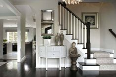 The 8 Best Light NEUTRAL Paint Colours for Home Staging, Selling benjamin moore classic gray is the best gray for home staging or selling as it isn't as cold as others. Shown in foyer or entryway with carpet runner on stairs Neutral Paint Colors, Best Paint Colors, Paint Colors For Home, House Colors, Stairway Decorating, Foyer Decorating, Decorating Ideas, Decor Ideas, Murs Beiges