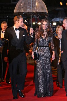 Kate Middleton and Prince William dazzle fans at War Horse premiere
