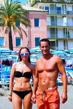 Strandtag in Alassio an der ligurischen Küste von Italien Swimwear, Northern Italy, Holiday Pictures, Beautiful Places, Bathing Suits, Swimsuits, Swimsuit