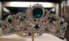 En 2002, a pu être racheté, lord d'une vente publique organisée par les comtes de Durham, le diadème de la duchesse d'Angoulême, ( 40 émeraudes et 1 031 diamants), réalisé en 1819, par les joailliers, Christophe-Frédéric Bapst et Jacques-Evrard Bapst, ( joailliers de la Couronne), avec le concours du dessinateur Steiffert, ( diadème acheté 45 900 Francs par le collectionneur anglais). Il complétait une parure d'émeraudes et de diamants, créée par le jaillier, Paul-Nicolas Menière, en 1814.