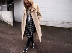 Black, white & beige / Nike White Beige, Black White, Culture Clothing, Everyday Outfits, My Outfit, Duster Coat, Lily, Street Style, Chic
