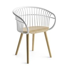 Stem 4W WS /  26 aluminium spindles, each with a different curvature and angle, form the curved back and merge with the seat, the only horizontal element. A comfortable, incredibly lightweight chair with a basket-like shape, Stem offers a perfect example of Crassevig's traditional craftsmanship and industrial innovation.