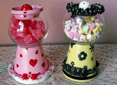 My hairdresser has a candy dish similar to this that a customer made for her, it's adorable