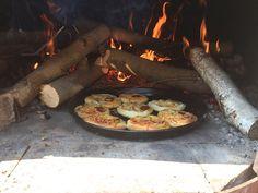 Nejchutnější pizza recept: mini pizza pops, od Majkl, Christie a Tiffy Super Pizza, Paella, Spaghetti, Mini, Ethnic Recipes, Food, Essen, Yemek, Spaghetti Noodles