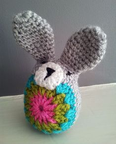 crochet-easter-bunny-front - there is also a link for owls within the instructions for this - woo too