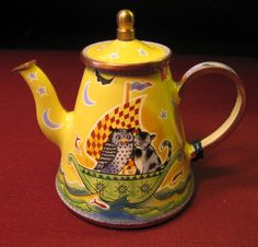 owl & cat teapot