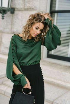 Street Fashion Trends The Raw Straight Cut Jeans Sleeves Designs For Dresses, Sleeve Designs, Blouse Designs, Moda Instagram, Stylish Dresses, Fashion Dresses, Work Wardrobe, Professional Wardrobe, Wardrobe Basics