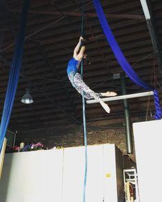 "1,012 Likes, 9 Comments - Dara Minkin (@aerial.design) on Instagram: ""🎶🎶 Happy weekend! 😎 Wearing @ellieactivewear #loveellie #Aerialdesign #aerialsilks #aerialist…"""