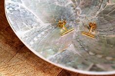 Minimalistisch sieraden zijn trend du moment! Logisch, want ze zijn té cute. Lucardi heeft nu een eigentijdse collectie vol met zilveren, gouden en bronzen musthave sieraden. Kelly mocht een aantal oorbellen uitkiezen en vandaag laat ze zien welke. Kijk en lees je gezellig mee op deze koude Cyber Monday? 👀  Link: http://goyalifestyle.nl/minimalistische-oorbellen-van-lucardi/