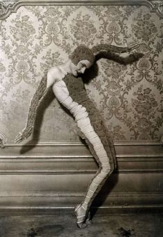 """The Dance Track."" Helene Shelda, a young Russian dancer who was inspired by the Hindus in British India, reaped great success in Paris, 1931"