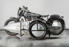 Brough Superior Basil racing Side Car