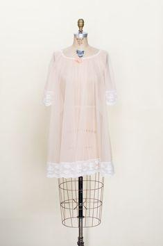 2ff595fd19 1960s  Starlight  Vintage Bedjacket   L - XL   Short Sleeve Pink ...