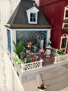 """""""A new shop is finished 🤗 Victorian Flowers, New Shop, It Is Finished, Twitter, Unique, Playmobil"""
