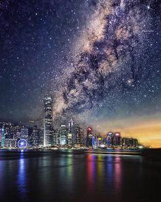 the darkest nights produces the brightest stars 晚安 ✨✨ #dOtz #dotzsoh #hongkong . . with @themirahotel #themirahotel #designhotels #tst  #tsimshatsui #discoverhongkong . check out @dotzsoh2