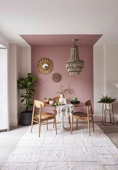 Use Color-Zoning To Separate A Small Studio Apartment separate dining area in studio using color-zon Mauve Walls, Interior Design Trends, Mid Century Dining Table, Living Room Decor, Bedroom Decor, Dining Room Colors, Colorful Dining Rooms, Deco Boheme, Home Interior