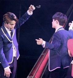 Kai grabbing D.O's face during Wolf (gif) kaisoo Kaisoo, Kyungsoo, Chanbaek, Exo Ot12, Chanyeol, Exo Kai, Bts And Exo, Btob, 2ne1
