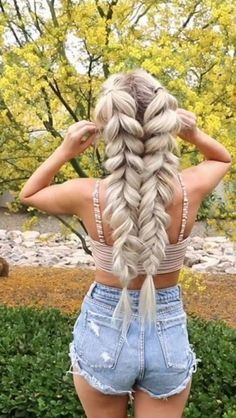 super quick and easy hairstyles for 2019 30 - Frisuren für Frauen - Braided Hairstyles Box Braids Hairstyles, Summer Hairstyles, Girl Hairstyles, Hairstyle Ideas, Wedding Hairstyles, Braided Hairstyles For Long Hair, Braided Hairstyles Tutorials, Unique Hairstyles, Braided Updo