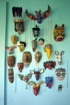 Home Interior Catalogo Wall of Masks - Oaxaca, Mexico Mexican Mask, Mexican Folk Art, Arte Haida, Masks Art, African Masks, Art Graphique, Oeuvre D'art, Sculpture Art, Art Dolls