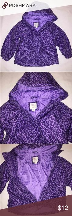 TCP sz 4T cheetah hooded puffer coat The children's place Cute puffer jacket coat Thick cozy nice and warm Girls sz 4T the children's place  Zip/Velcro zip up Very gently used The Childrens place Jackets & Coats Puffers