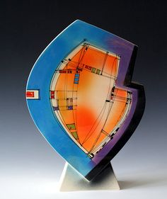 Richard Godfrey, While not actually a brooch, this sculpture makes a great inspiration piece. Modern Ceramics, Contemporary Ceramics, Pottery Painting, Pottery Art, Installation Street Art, Pottery Plates, Glass Ceramic, Ceramic Artists, Fused Glass