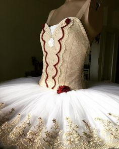 """Kasia Dobija on Instagram: """"Happy #tututuesday from Paquita🌹 Loving the lace details & little crystals💖.   #tututuesday #tututime #loveofballet #ballett #costume…"""""""