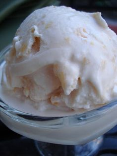 Homemade Peach Ice Cream | The Sisters Cafe