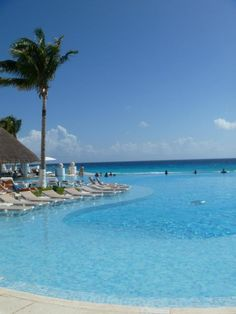 Le Blanc Spa Resort in Cancun - the amazing oceanfront infinity pool is just the tip of the iceberg! :)