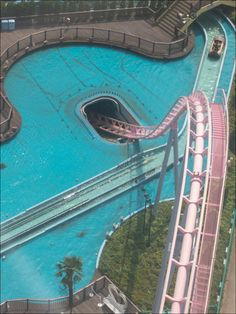 Roller coaster I believe this is in Japan. And when the roller coaster found in the tunnel, water shoots out at the sides. Scary Roller Coasters, Roller Coaster Ride, Amusement Park Rides, Abandoned Amusement Parks, Yokohama, Places To Travel, Places To See, Beto Carrero World, Water Slides