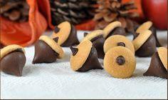 Es otoño y que mejor época para preparar un rico postre que puede ser degustado con un café caliente para el frío, te dejamos una receta para preparar bellotas de Chocolate. INGREDIENTES • 50 kisse…