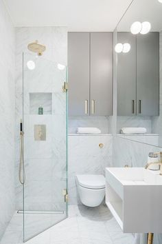 Top 60 Best Corner Shower Ideas - Bathroom Interior Designs - - From tile patterns to modern marble slabs and more, discover the top 60 best corner shower ideas. Tiny Bathrooms, Tiny House Bathroom, Bathroom Design Small, Bathroom Layout, Bathroom Interior Design, Modern Bathroom, Bathroom Ideas, Bathroom Organization, Master Bathrooms
