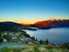 Queenstown at sunset | © Paul Bica/Flickr