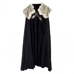The Northern great cloak is not only worn by Northmen, but also those who travel into the Kingdom. It has a variant without fur, but this is the most known version. The cloak is unisex, being used by lords and ladies alike. There are a black cloaks made specifically for the Night's Watch.