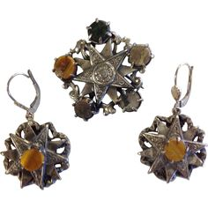 Desirable Victorian Scottish Agate and Sterling Brooch and Earring Set