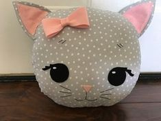 Cat Pillow in Grey Polka Dot by Loveoffamilyandhome on Etsy - Craft Ideas Sewing Toys, Baby Sewing, Sewing Crafts, Sewing Projects, Baby Pillows, Kids Pillows, Animal Pillows, Sewing Stuffed Animals, Cat Pillow