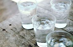 3 drinks that can help you lose weight and that aren't lemon water.