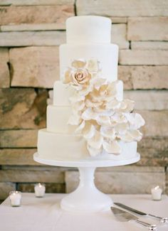 Featured Photographer: Taylor Lord Photography; Wedding cake idea.