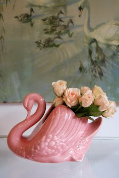 Small Crown Lynn Swan - Pink #theyellowbrickroadboutique Hot Pink Bathrooms, 2017 Decor, Guest Bath, Mid Century Design, My Favorite Color, Spring Time, Pretty In Pink, Pottery, Colours