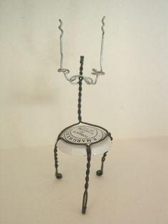 Chaise, chair, sedia - Designed by Gilles Tonnelé - Spumante S.Margherita - muselet, placomusophilie