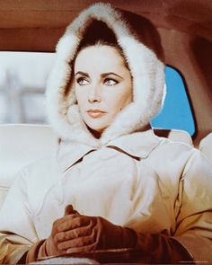 Elizabeth Taylor Playing Frances Andros in the 1963 film The V. Photo: Getty ImagesTaylor Taylor may refer to: Old Hollywood Glamour, Golden Age Of Hollywood, Vintage Hollywood, Hollywood Stars, Classic Hollywood, Rita Hayworth, Marilyn Monroe, Divas, Jean Harlow