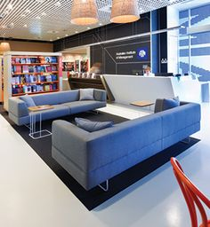 Encourage people to reenergize, refocus, and recharge. To learn more, visit falconproducts.com. Photo credit: Australian Institute of Management Canberra, AIM Campus Workplace Design by e2.