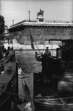Paris 1957 Photo: Henri Cartier-Bresson