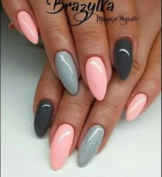 gelnägel natur rosa, lange spitze nägel, hellrosa in kombination mit grau You are in the right place about trendy nails Here we offer you the most bea Trendy Nails, Cute Nails, Long Pointed Nails, Hair And Nails, My Nails, Fall Nails, Best Nails, Nagellack Design, Nagellack Trends