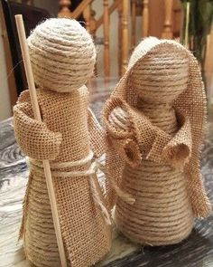 Creative Ideas and Practices: A rope nativity scene and jute burlap of the most . Burlap Crafts, Christmas Projects, Holiday Crafts, Christmas Nativity Scene, Nativity Crafts, Sisal, Navidad Diy, Ideas Navidad, Rustic Christmas