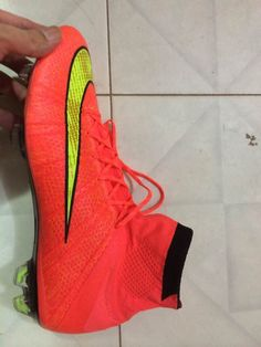 2014 New Realease nike mercurial superfly iv football shoes with high quality ,if you want,you can check our shop:http://www.promagistasoccer.com/nike-mercurial-superfly-fg-hyper-punchgoldblack-high-ankle-sales-p-581.html
