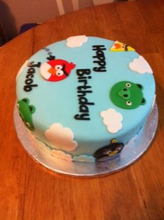 Angry Birds Cake by Kim