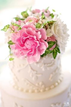 Petite cake, lovely flowers