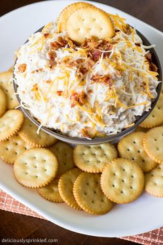Cheesy Bacon Ranch Beer Dip This looks amazing. There's beer in it!
