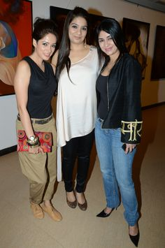 Vidya Malvade, Feng Shui expert Lara Shah and singer Anaida attended an art exhibition in Mumbai. #Fashion #Style #Beauty #Bollywood