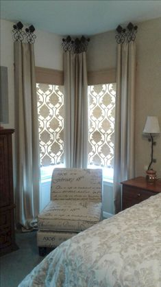 Looking to buy custom window treatments or just looking for window treatment ideas? This home interiors expert shares 12 common types of window treatments. Bedroom Curtains With Blinds, Bedroom Windows, Living Room Windows, Living Room Decor, Fabric Blinds, Burlap Curtains, Bay Windows, Vintage Curtains, Corner Window Curtains